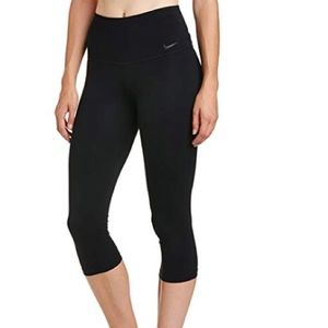 Nike legend sculpt dri fit Capri
